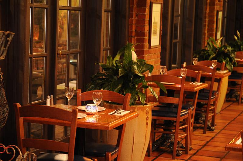 http://www.pappasgrill.com/wp-content/uploads/2014/08/1-Pappas-Grill-Greek-Restaurant-Toronto.jpg